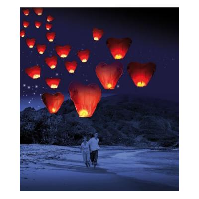 Lanterne volante porte-bonheur en forme de coeur St Valentin