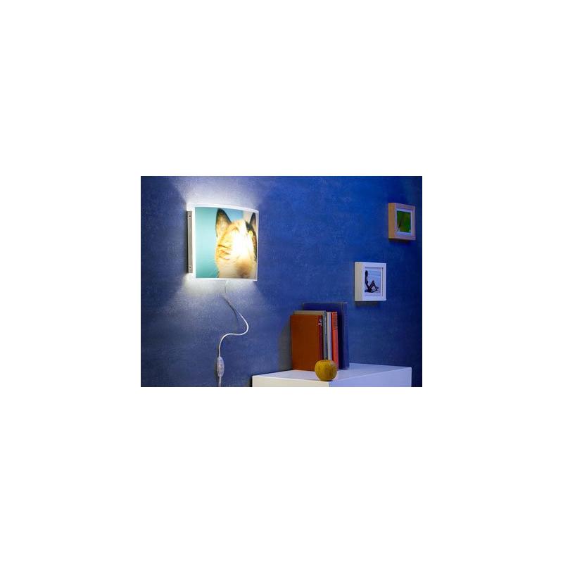 lampe murale avec cadre photo int gr. Black Bedroom Furniture Sets. Home Design Ideas