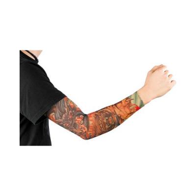 Manchette couleur Peau avec des tatouages Tribal