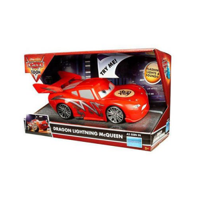 ring de catch avec flash mcqueen en 4x4 le combat des camions cars mattel. Black Bedroom Furniture Sets. Home Design Ideas